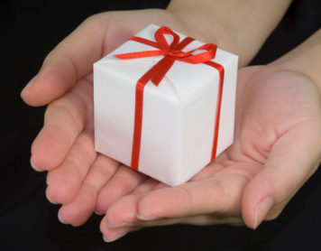 How to Show Your Partner That You Love Them This Christmas