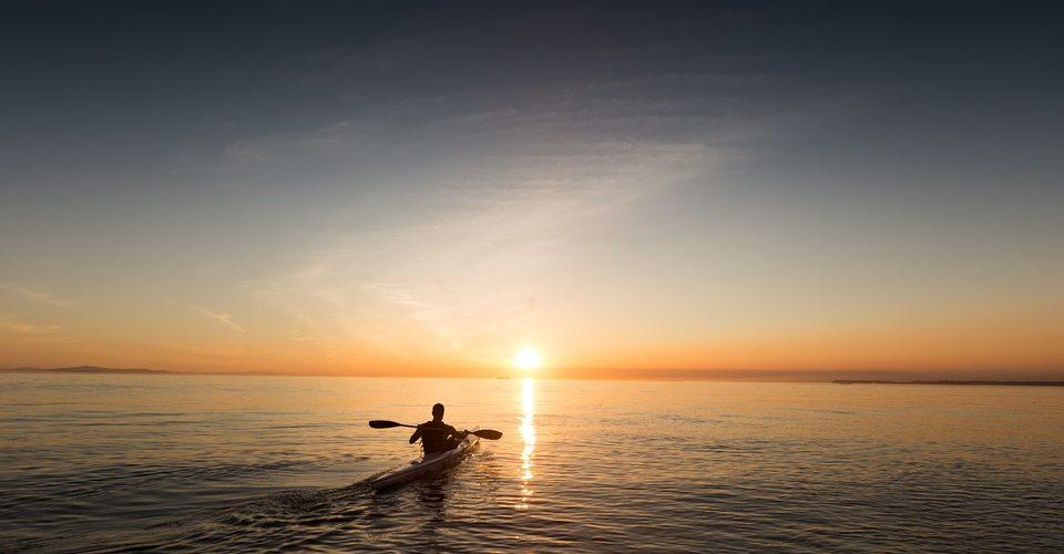 Anouk Govil – The Benefits of Going Kayaking