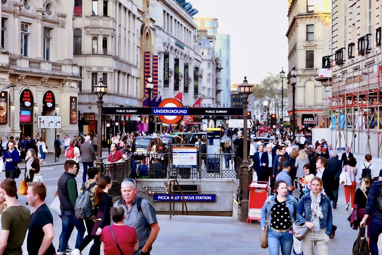 Must-know tips to ensure a hassle-free visit to the UK – A first-timer's guide